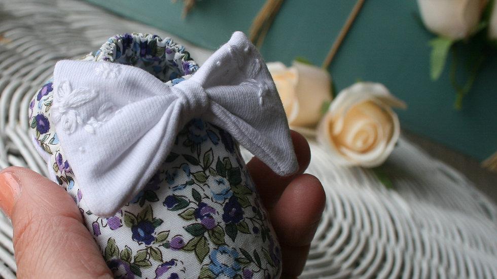 Zapatito lavanda con lazo WHITE bordado