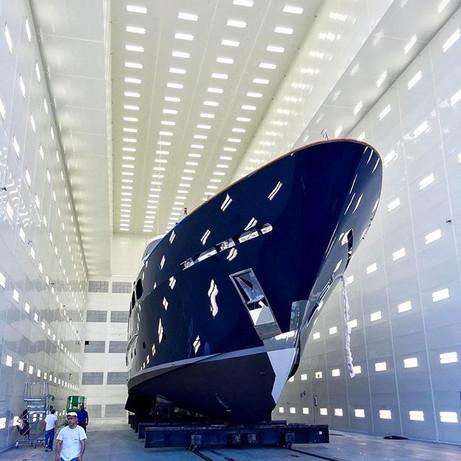 Blue beauty 💙💙💙 #topcoat #refinish #superyacht #service #savannah #yacht #boat #paintjob #painter #painting #spraybooth #spray #beauty #pico