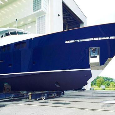 She's ready 😍 #beautiful #yacht #refinish #paint #new #savannah #shipyard #marina #topcoat #glossy #new #boat #yachts #boatlife #white #blue