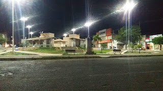 Praça Reinaldo Pimenta, Caraúbas-RN, completamente vazia - imagem: Gilson de Souza
