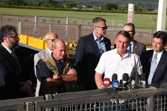 Bolsonaro se reuniu com ministros para avaliar os riscos da doença e também a situação dos brasileiros que estão na China Valter Campanato/Agência Brasil
