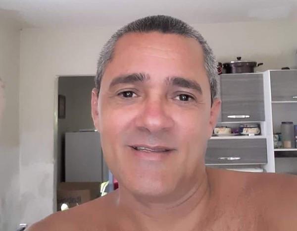 Eliezei Urbano foi assassinado a facadas em casa na praia de Barreta, em Nísia Floresta, na madrugada desta quarta (22). — Foto: Redes sociais