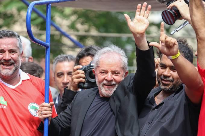 Desembargadores do TRF4 aumentaram a pena de Lula para 17 anos, 1 mês e 10 dias no caso do sítio de Atibaia (Thiago Bernardes/FramePhoto/Folhapress)