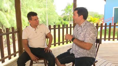 Prefeito Juninho Alves de Caraúbas e o repórter Vonúvio Praxedes da TCM