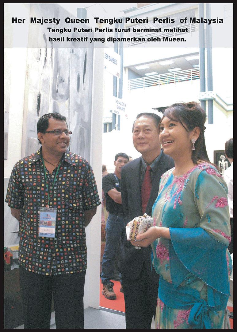 Abstract artist Mueen Saheed paiting for Her Majesty Queen Tengku Puteri Perlis of Malaysa