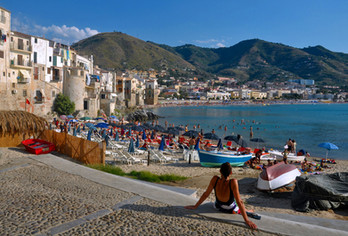 Sun bathing in Cefalù