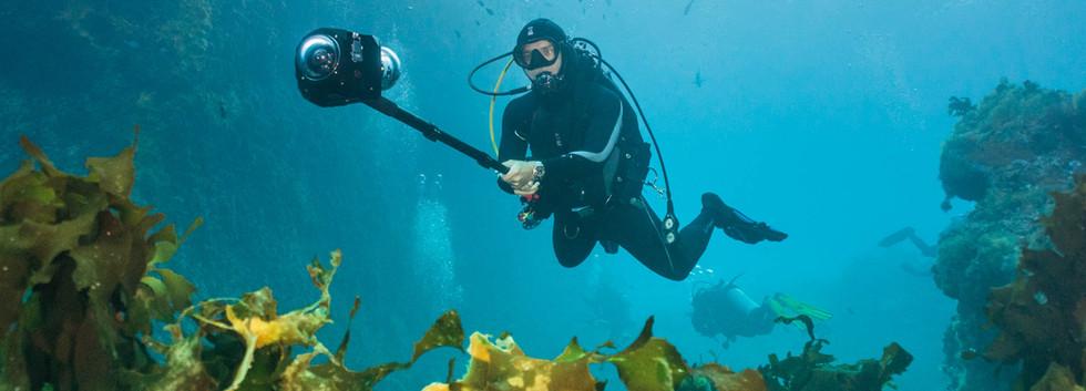 20170605-_2019_underwater_360_diver_mono