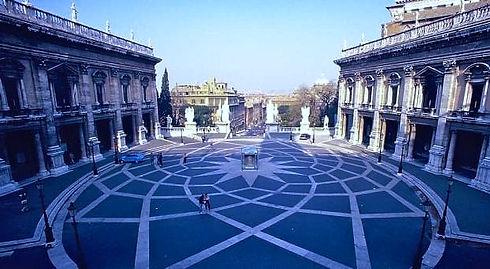 Roma_Campidoglio_edited.jpg