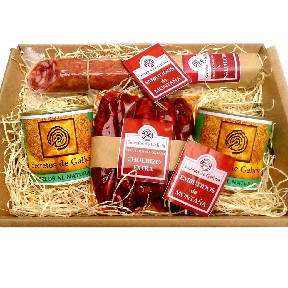 Estuche gourmet Chorizo Extra, Salchichón de Montaña y Grelos al Natural