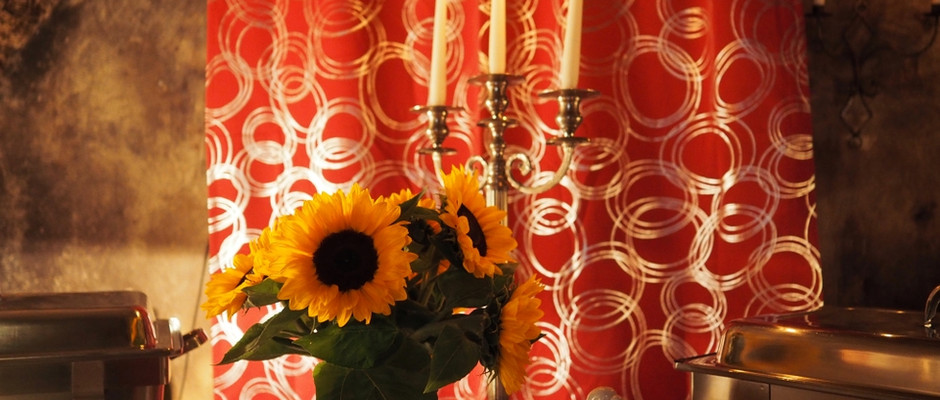 Sonnenblumen im Gewölbe