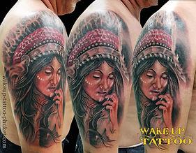 インディアンの女性のタトゥー