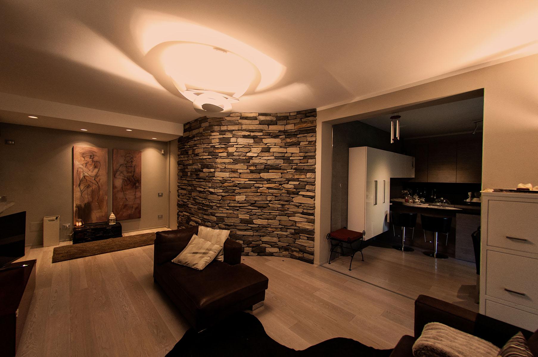 Appartamento luce e materia_02L.jpg