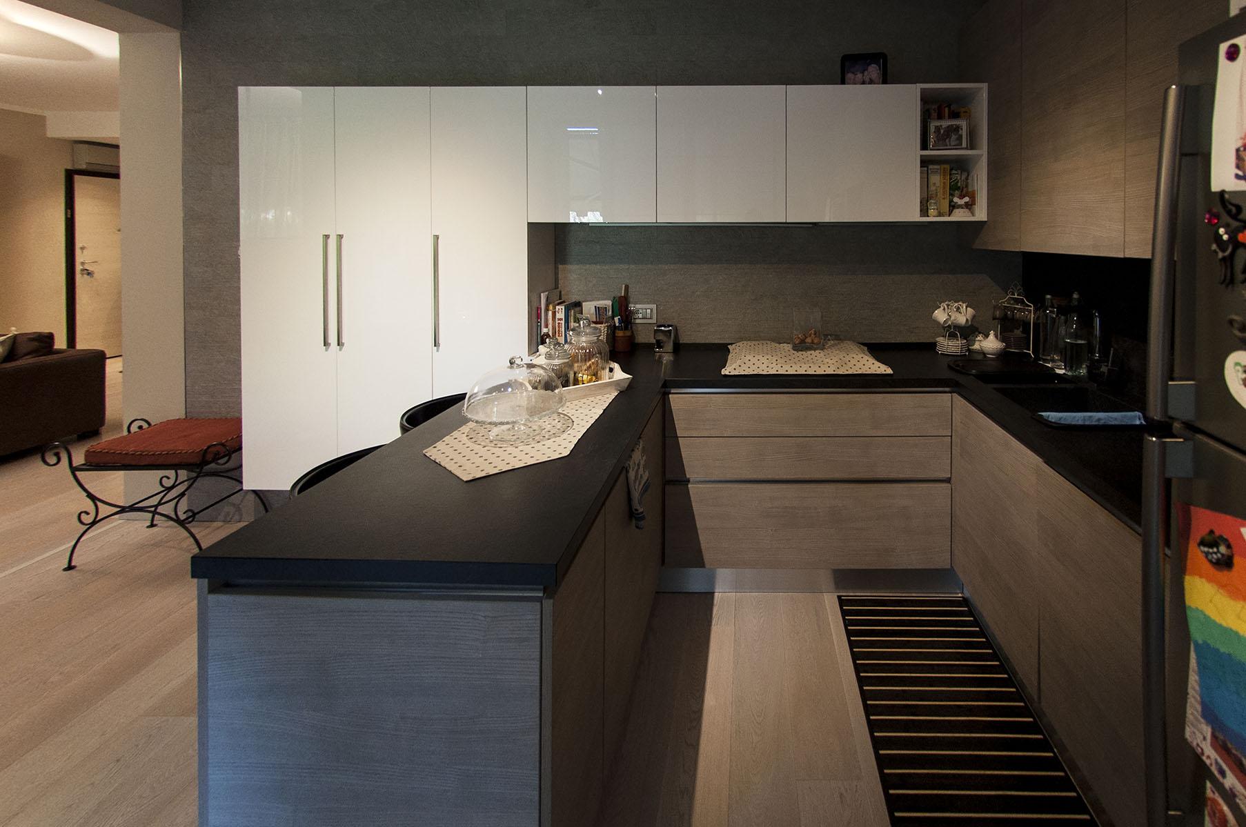 Appartamento luce e materia_11L.jpg