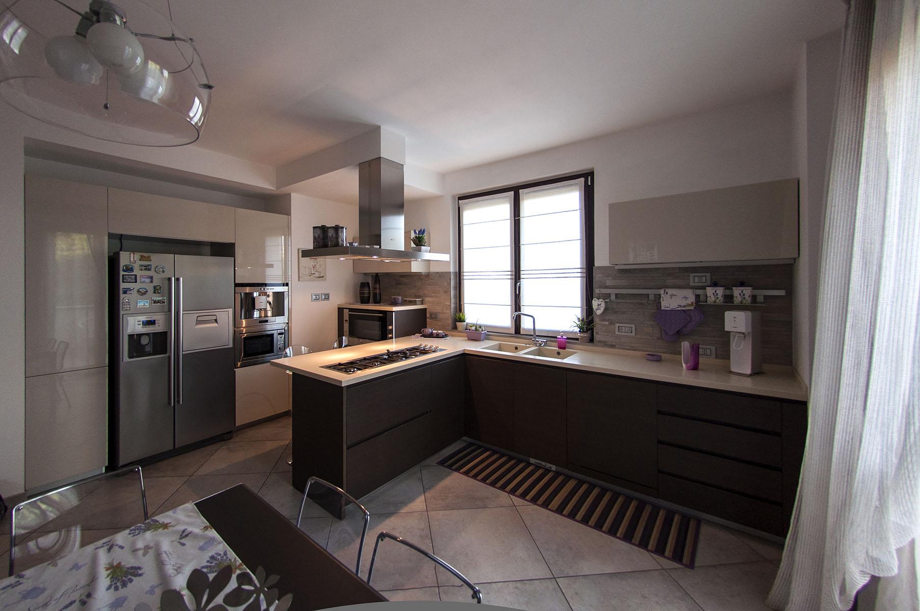 Appartamento forma e contrasti_10L.jpg