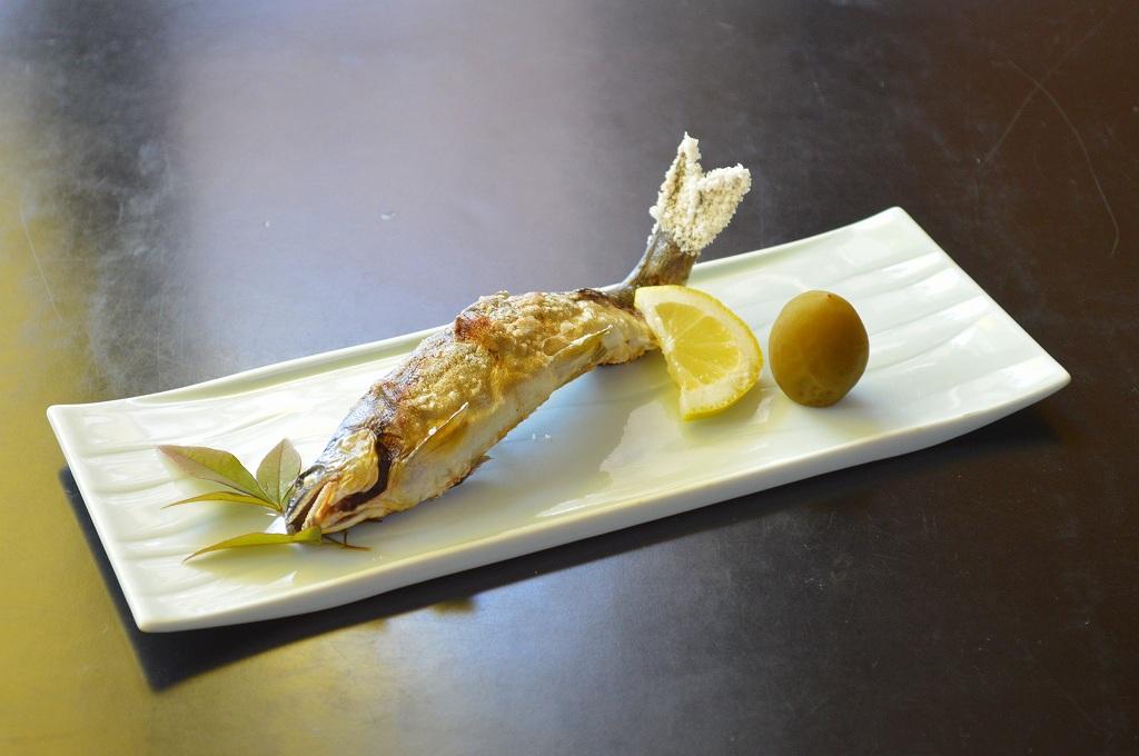 市房観光ホテル・川魚の塩焼き