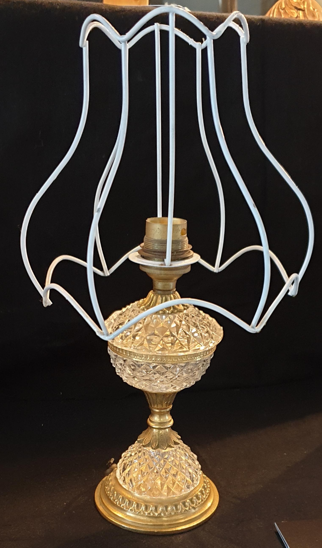 Vieille lampe à électrifier