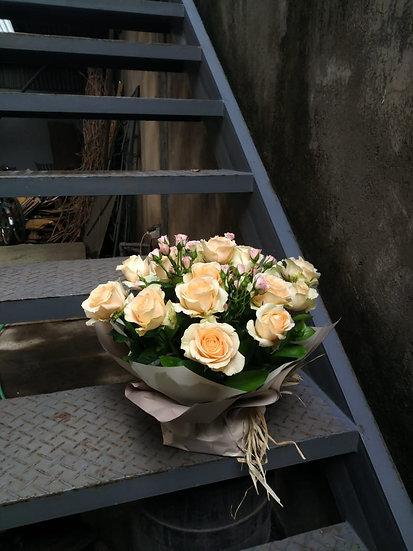 20 Roses Mix Import Bouquet
