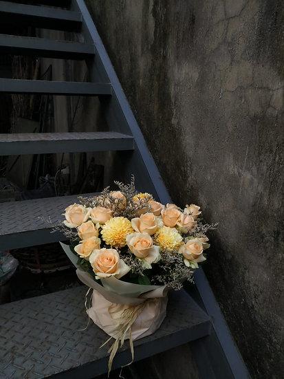 20 Roses Mix Semi Bouquet