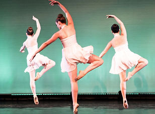 Contemporary ballet dances