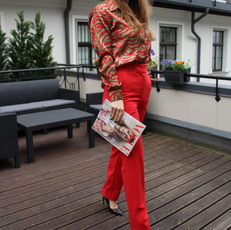 Textile: 50% Polyester 50% Cotton Product: Blouse & high waisted pants