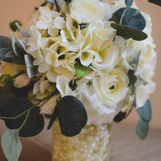 White centerpiece with pearls.jpg