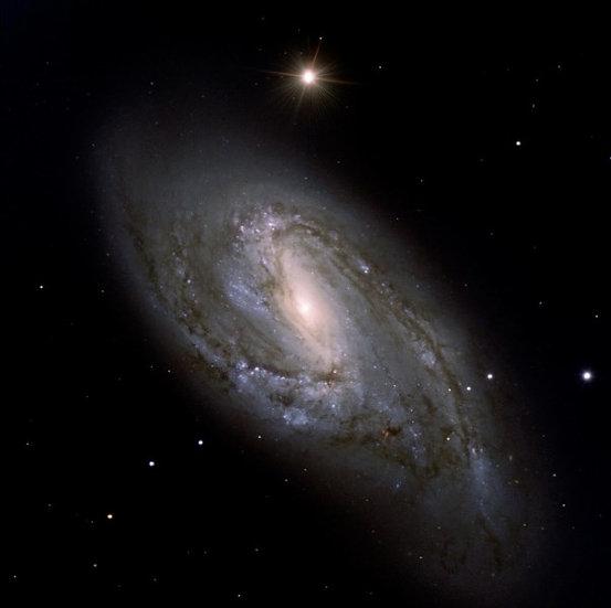 Messier 066
