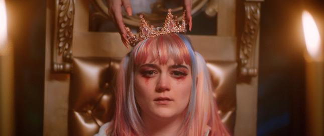 Drama Queen Still_1.24.1.jpg