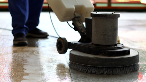 cleaning-machine-washing-the-floor-in-a-