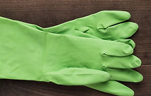 green-rubber-cleaning-gloves-PK7S8KP_edi