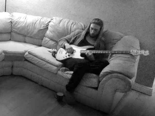 Couch bassist