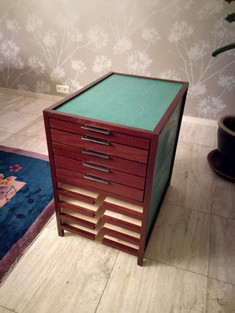 Drawing cabinet