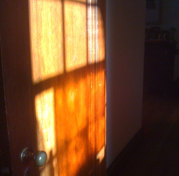 Dessert Sunrise on the wall and door .jp