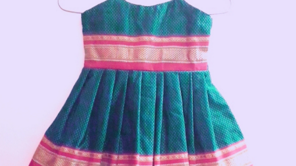 Frock with frill Green