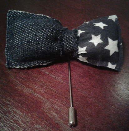 DENIM & STARS BOWTIE LAPEL PIN