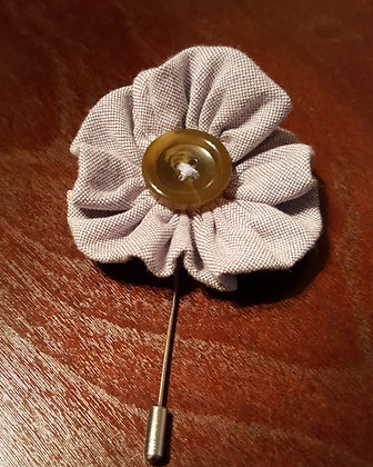 KADEN FLOWER BUTTON LAPEL PIN