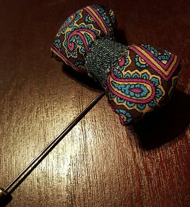 ALISTAIR BOWTIE LAPEL PIN