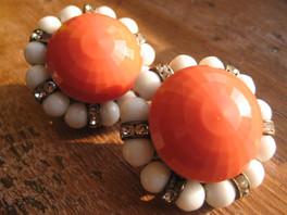 Colour : Coral