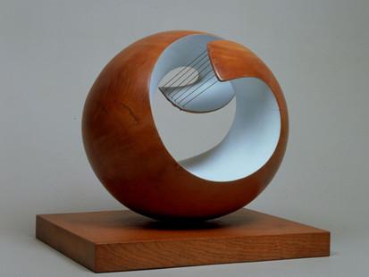 Inspiring Artist of the day - Barbara Hepworth