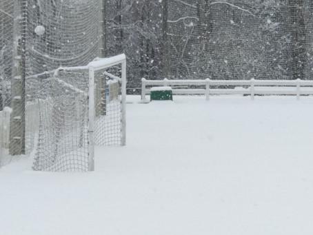 La nieve cubre de blanco el campo de Ibaiondo