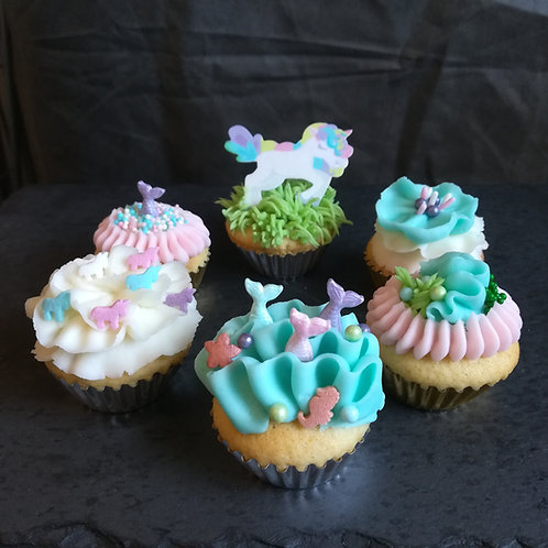 mini cupcakes, unicorns and mermaids