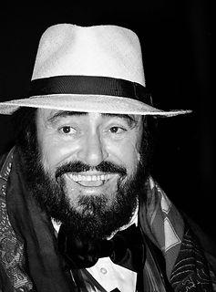 Luciano_Pavarotti_(cropped).jpg