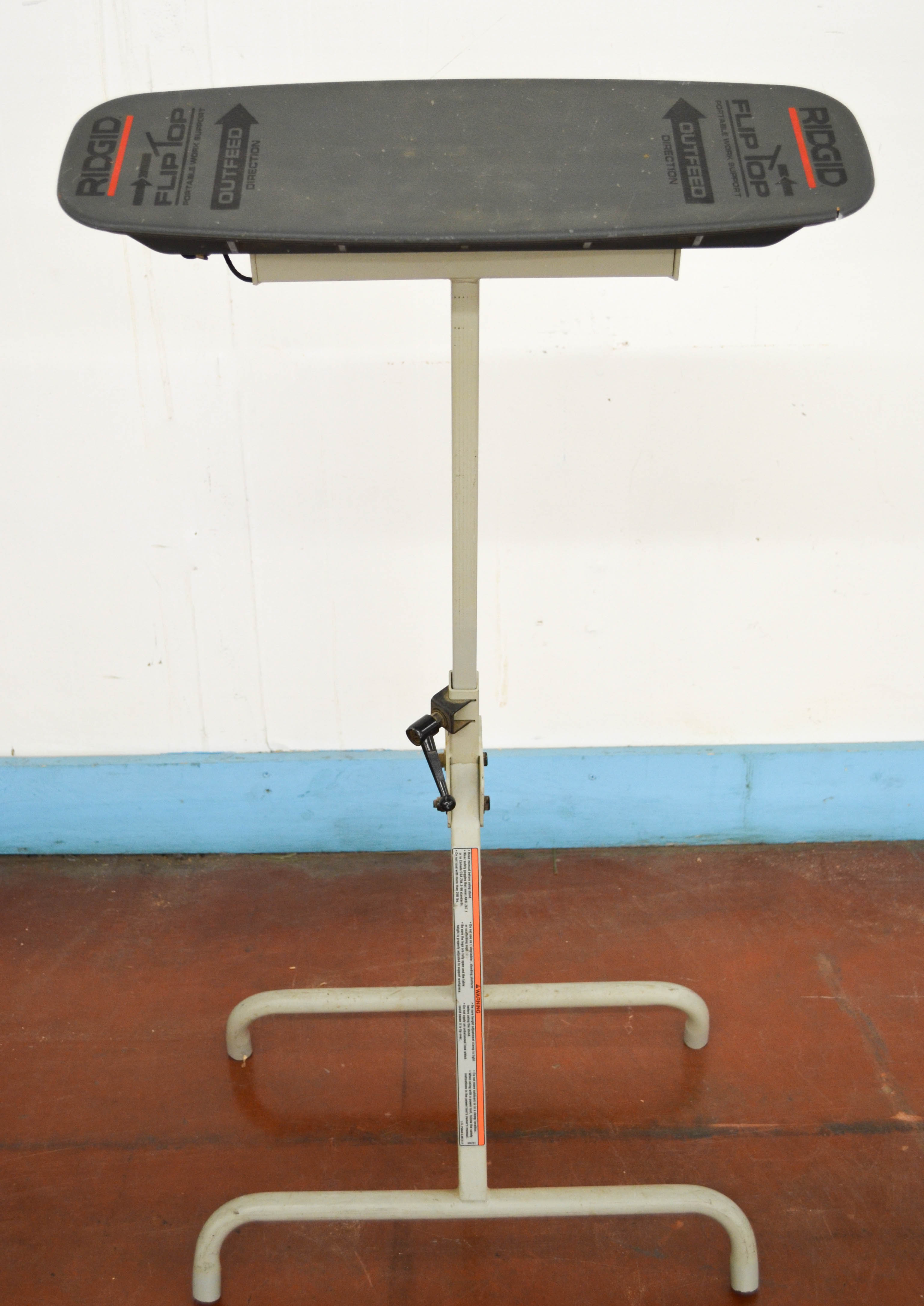 81 Ridgid Flip Flop Table
