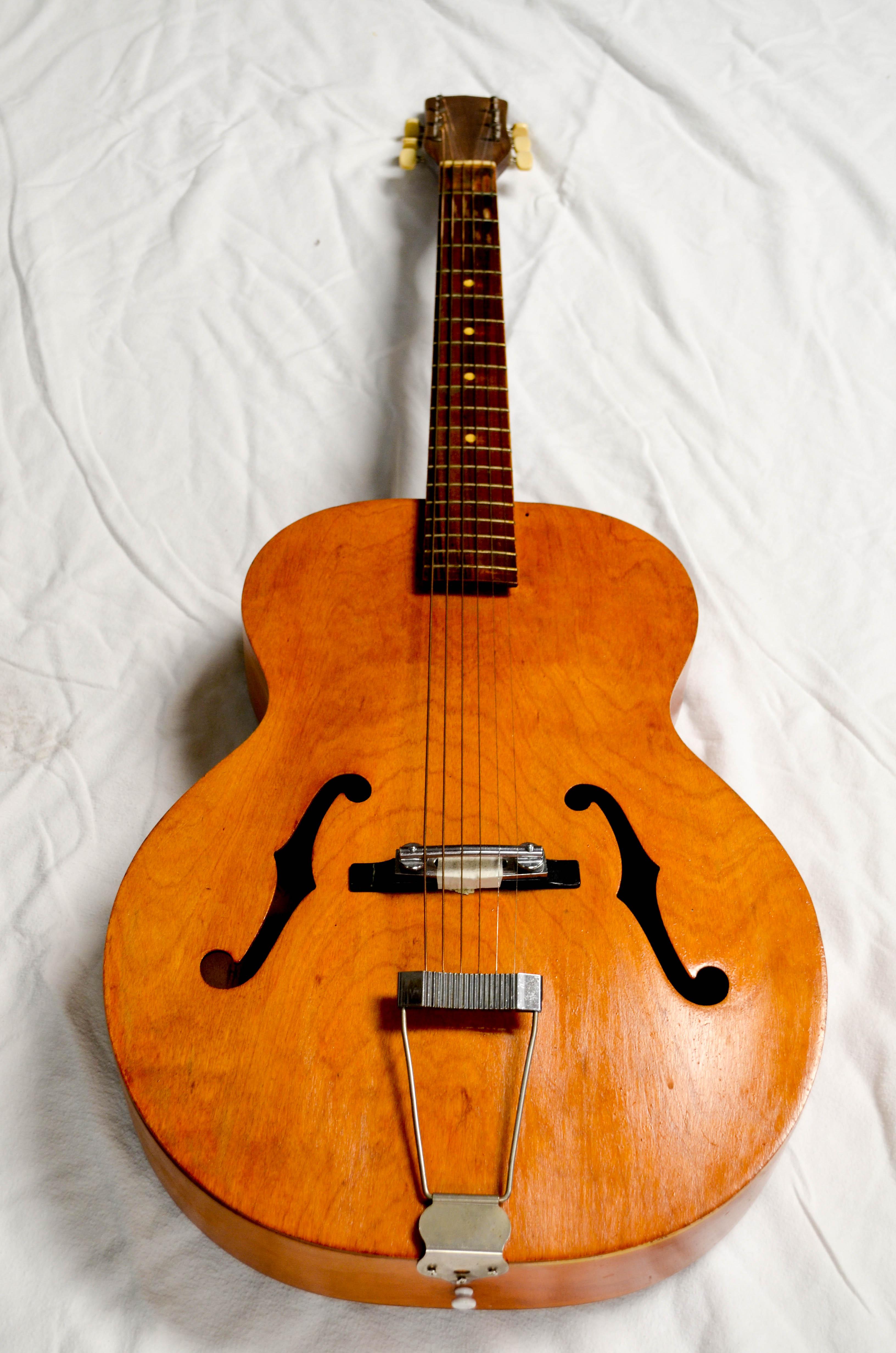 32 Wood Guitar