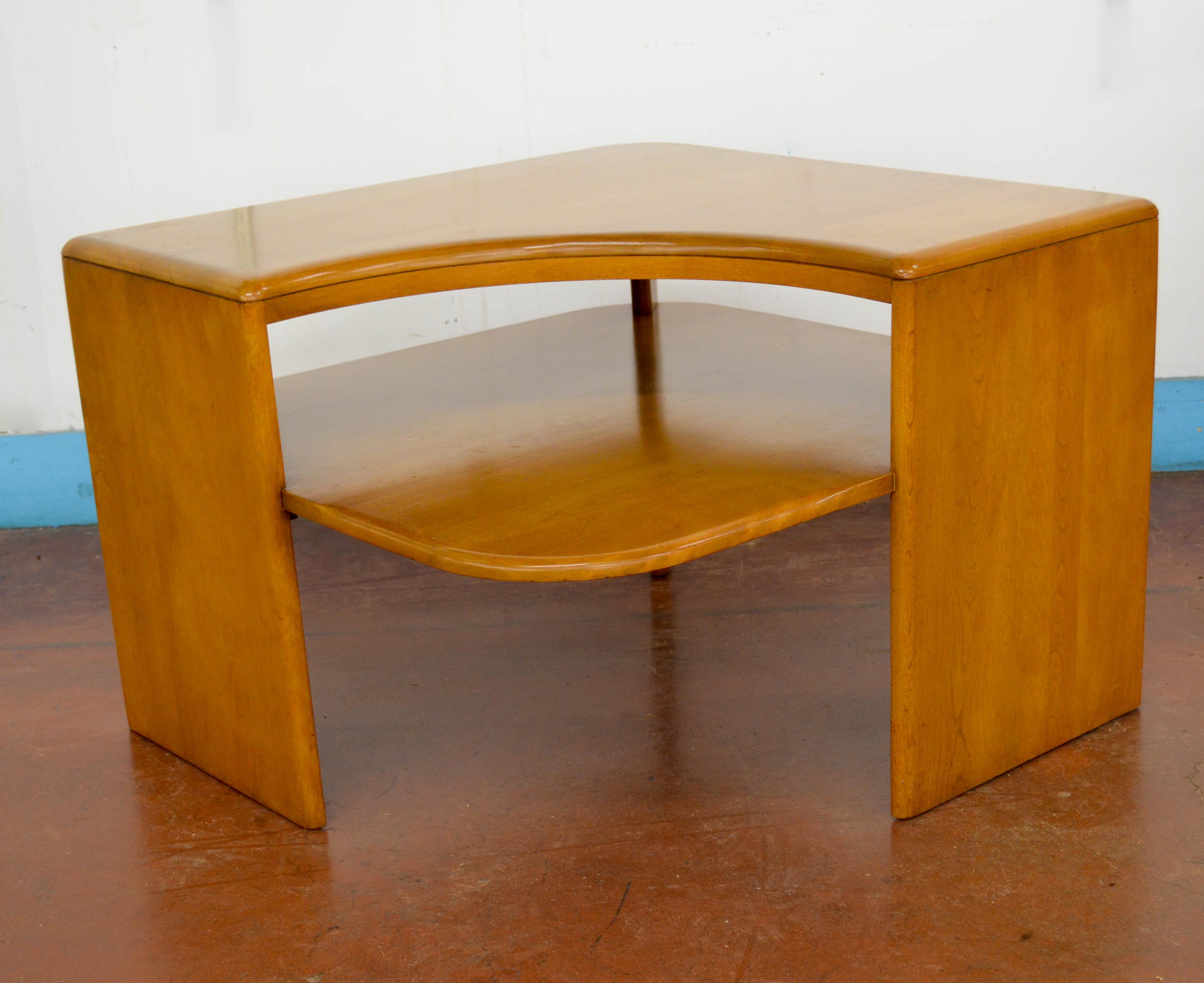 61 Corner Table