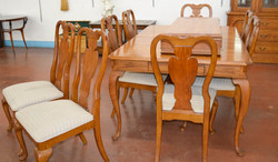 9 Dinning Table 8 Chairs and leaf