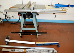 42 Delta 10inch professional Table Saw with build in router
