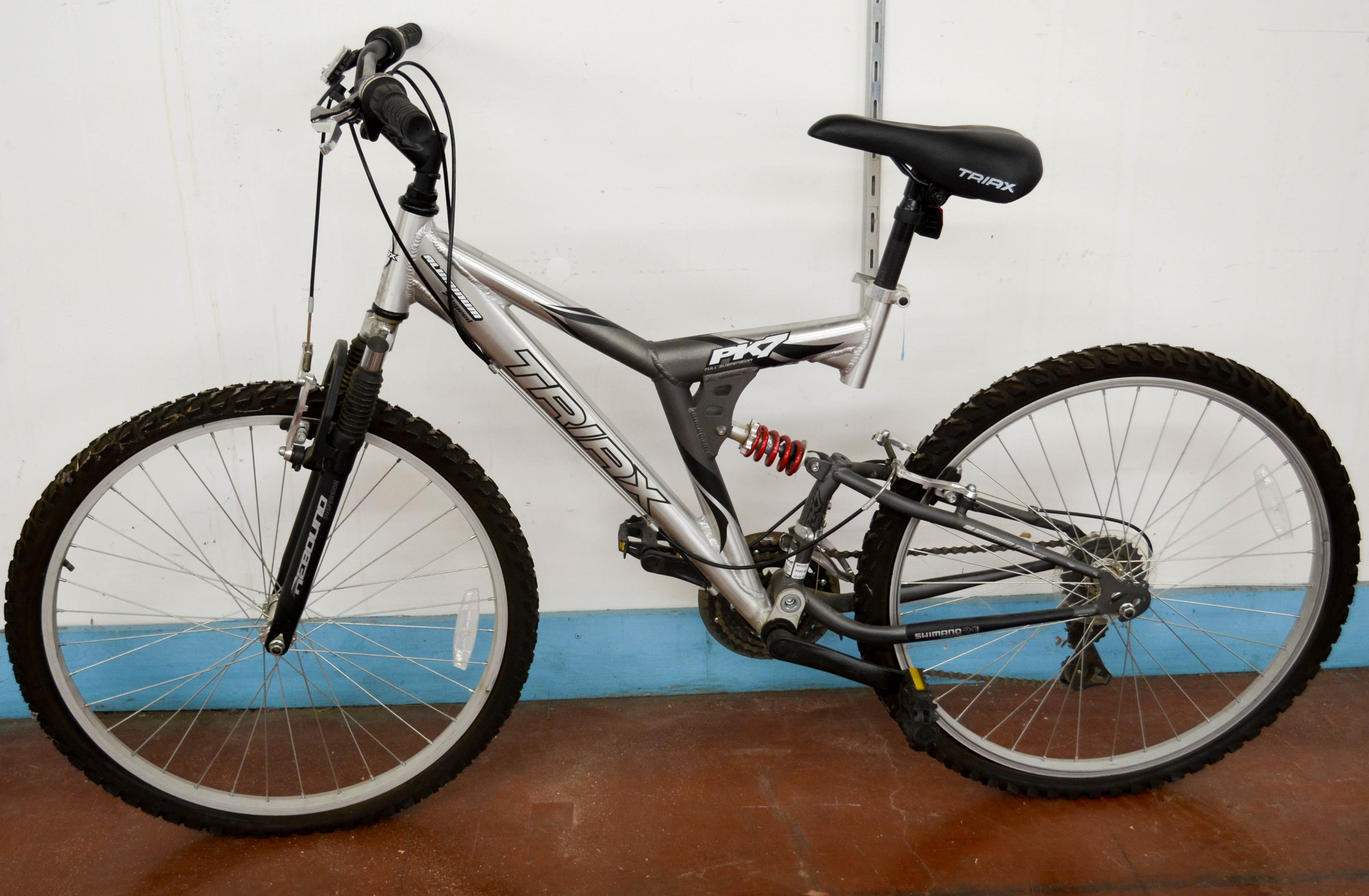99 Triax BK7 21inch Bike