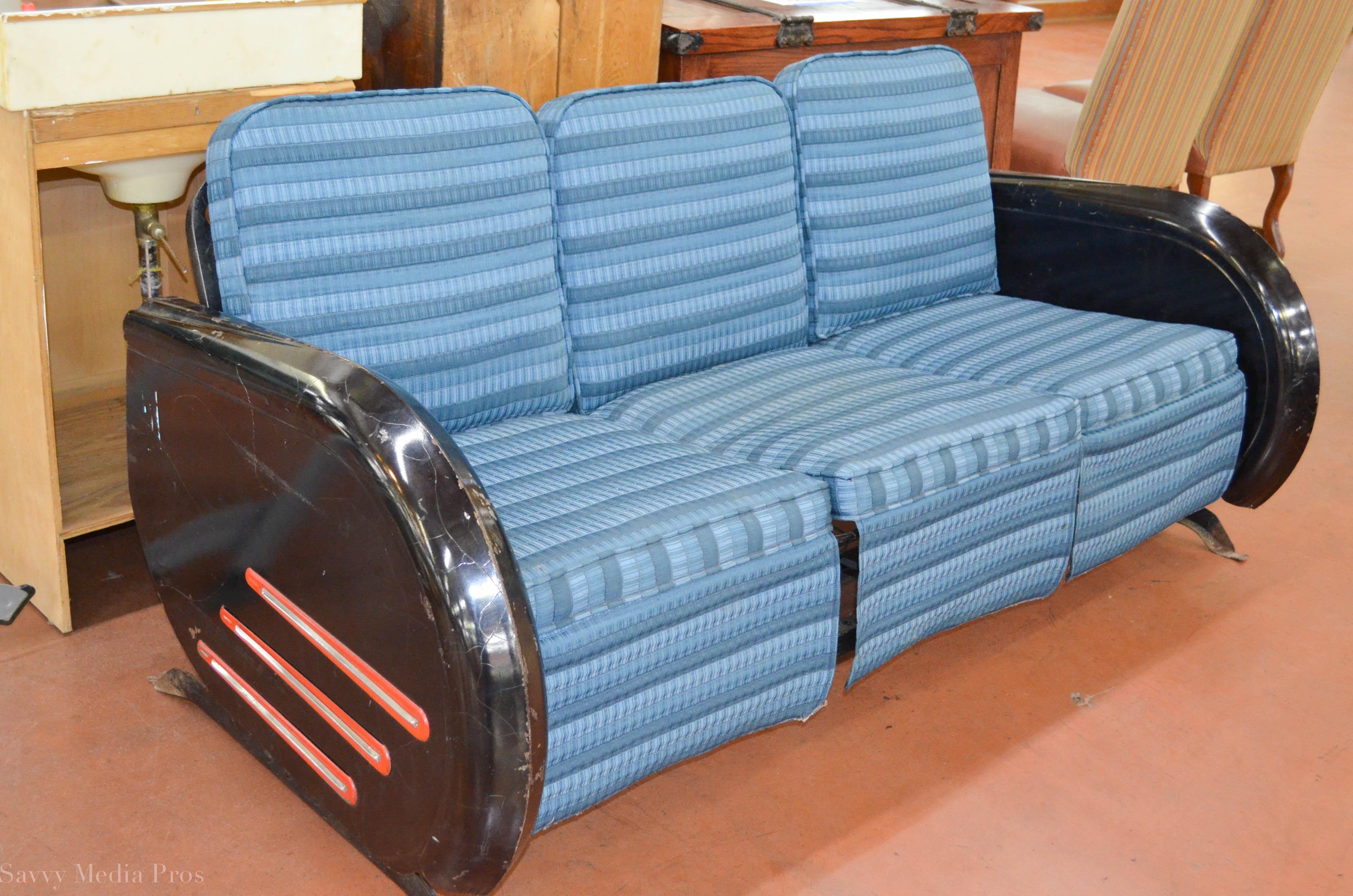 Retro Couch 1