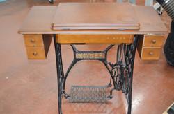 39 Singer Sewing Machine 2