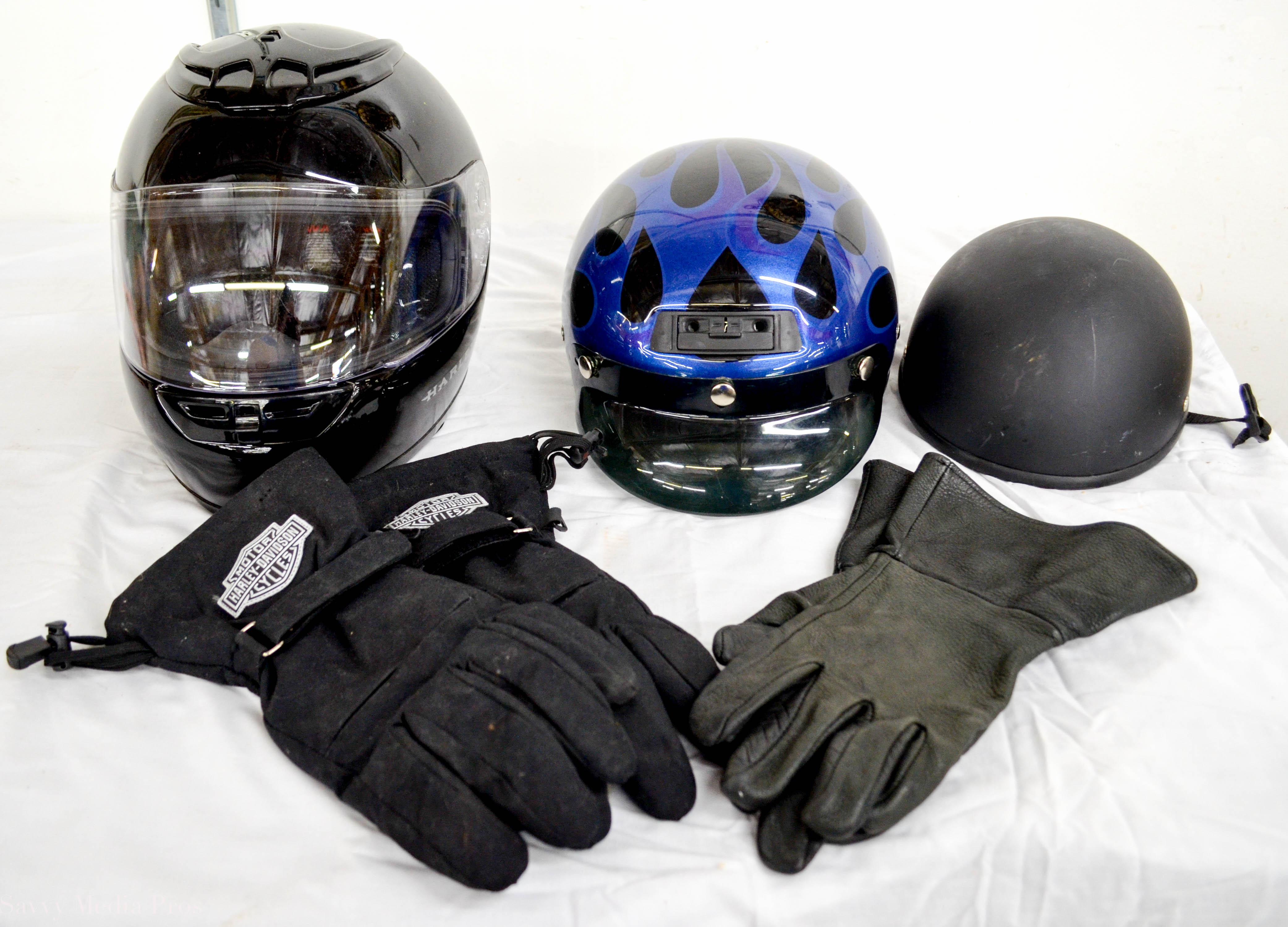 Helmets Gloves 1